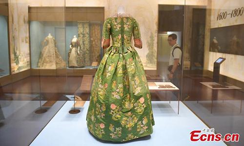 300-year-old Western dress on show in Hangzhou
