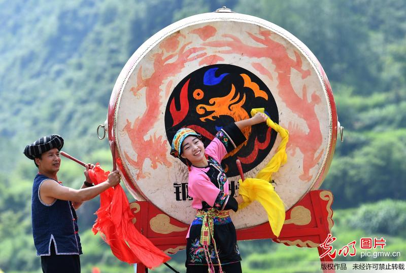 Intangible cultural heritages shown at cultural festival in C China