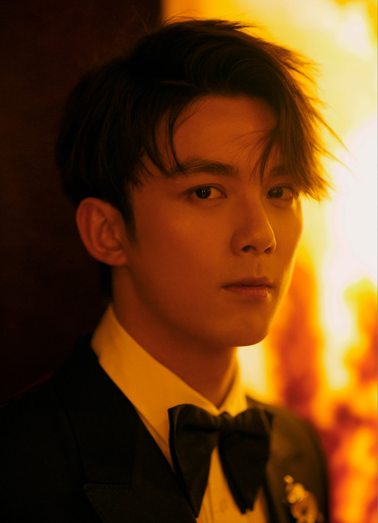 Pop actor Wu Lei releases fashion shoots