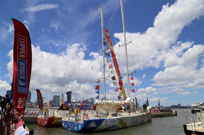 Feel the breeze of Sanya, 'China's Florida'
