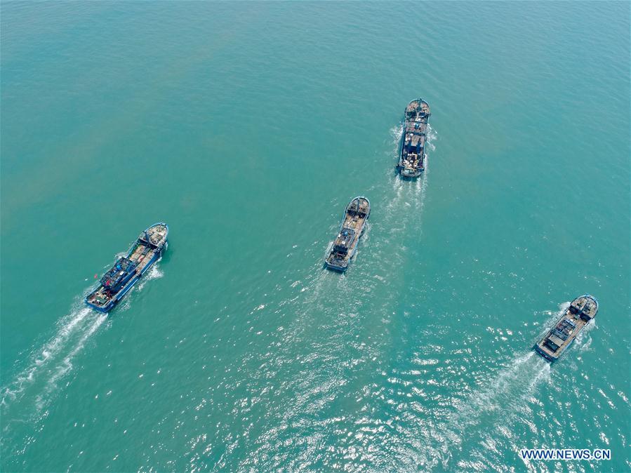 Fishing boats ready to fish after 3-month fishing ban in Fujian