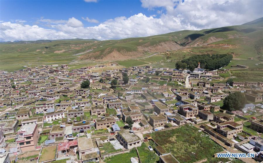 Sichuan's Litang takes on new look after reform in old area and restoration of ancient buildings