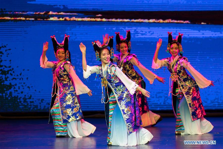 Artists stage performance in Moscow to showcase culture of China's vast west