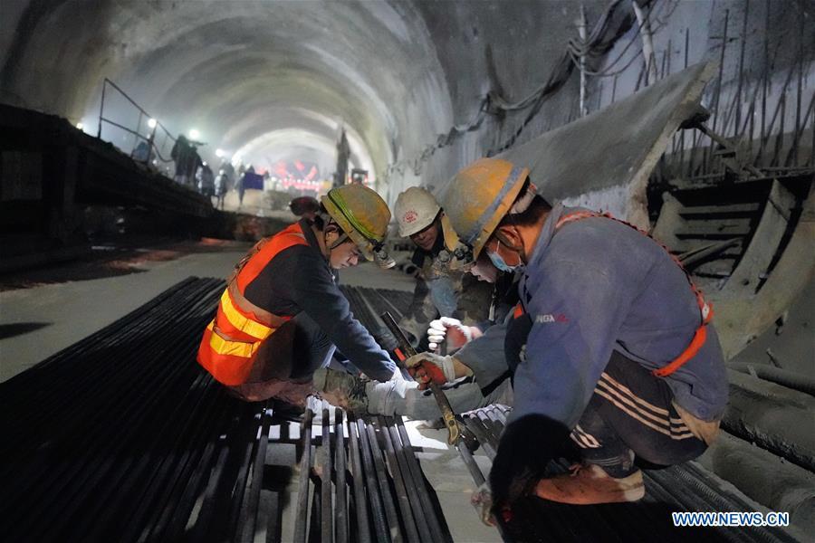 New Badaling tunnel of Beijing-Zhangjiakou high-speed rail line cut through