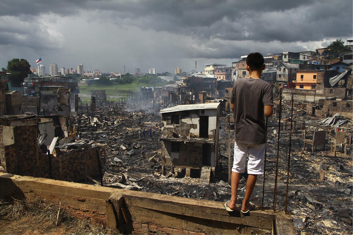 Brazil fire destroys 600 homes