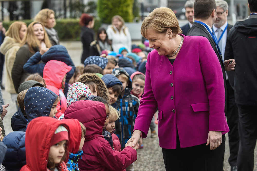 Merkel's visit to German School of Athens
