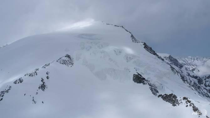 瑞士雪山.jpg
