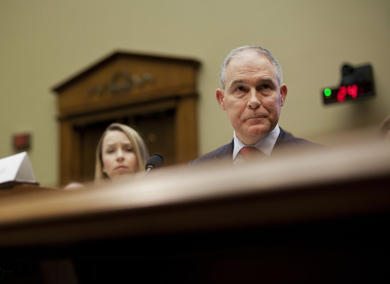 US lawmakers assail EPA chief over ethical missteps
