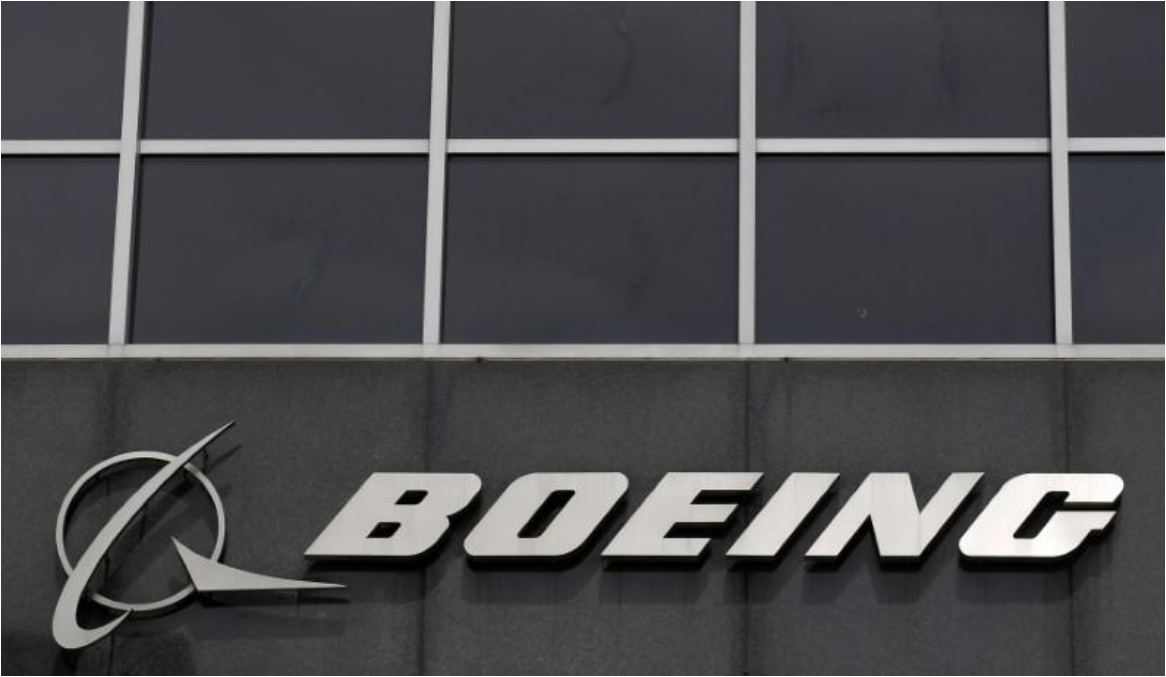 Boeing cruises past forecasts, sees no sign of cost trouble