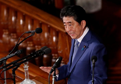Despite plunging approval ratings, Japan's Abe popular among businesses