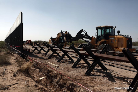 In pics: construction of new border wall between Mexico, US