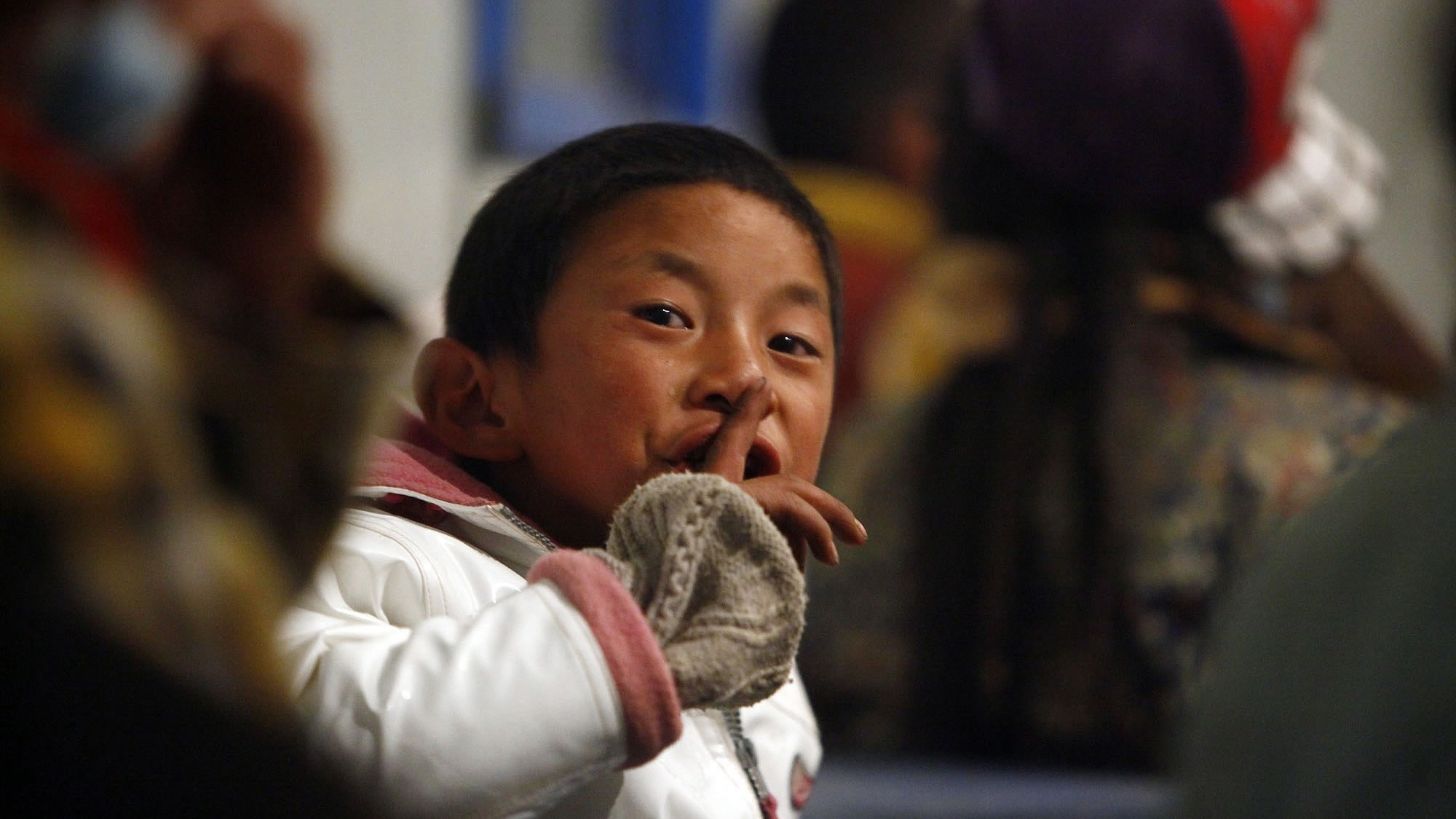 Relocation of Yushu students – What drives the change from disaster to happy ending?