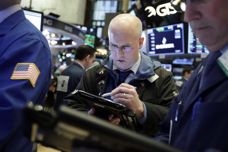 Markets Right Now: Tech, bank stocks lead US indexes higher
