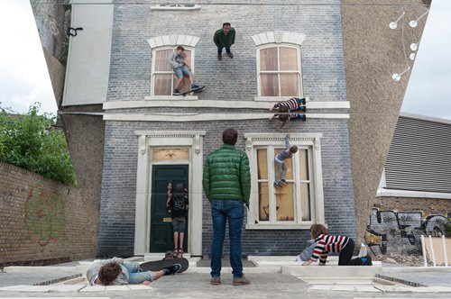 Argentinian artist Leandro Erlich has art lovers doubting their own eyes