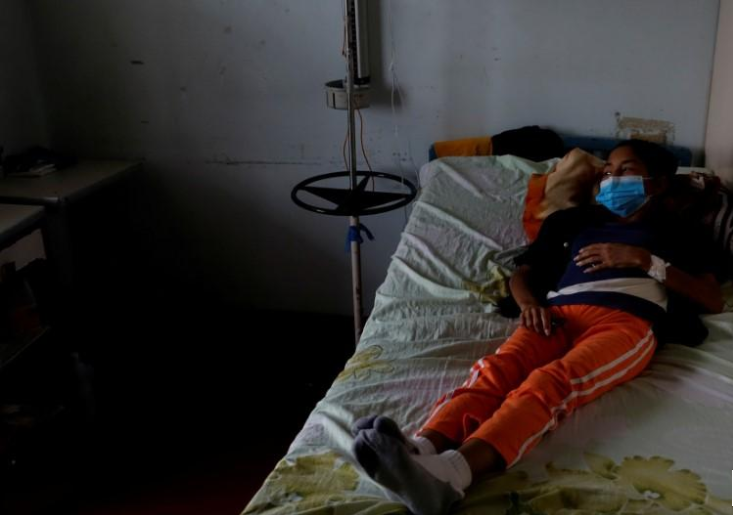 Venezuelan health system decays further, opposition-led survey says