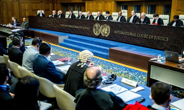 Bolivian leader urges UN judges to help win sea row with Chile