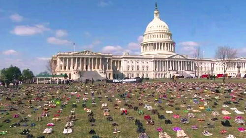 Video: 7,000 shoes placed in front of US Congress against gun violence