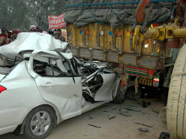 09-road-accident.jpg