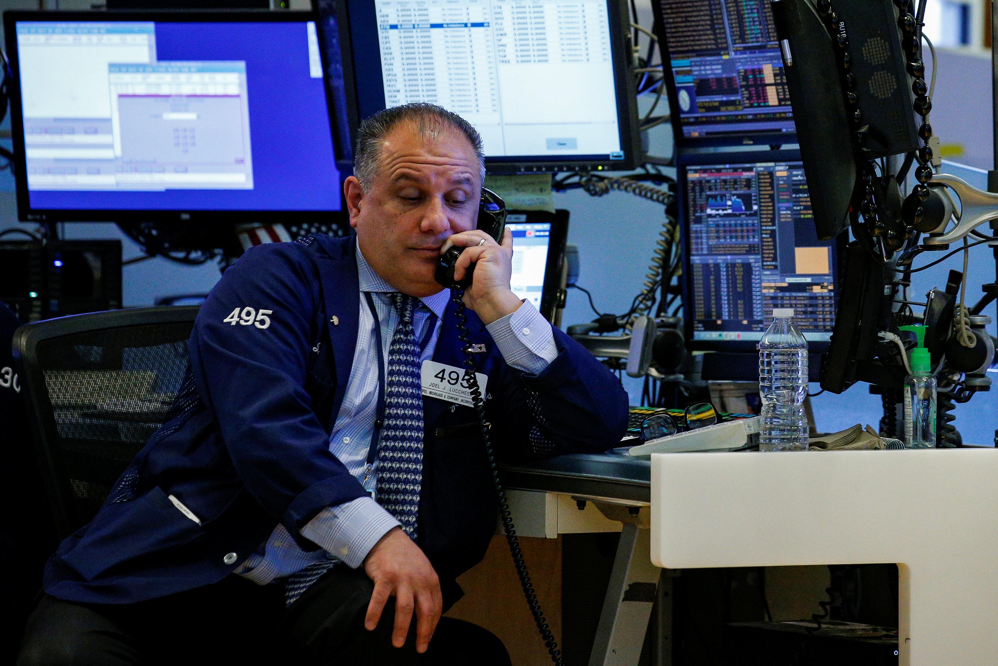 """""""Wall Street losses deepen as trade war fears mount""""的图片搜索结果"""