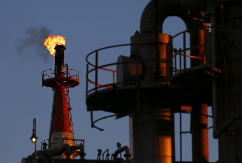Shale boom, oil price stability dominate Houston energy conference