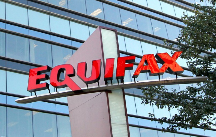 """""""Equifax discovers another 2.4 million customers hit by data breach""""的图片搜索结果"""