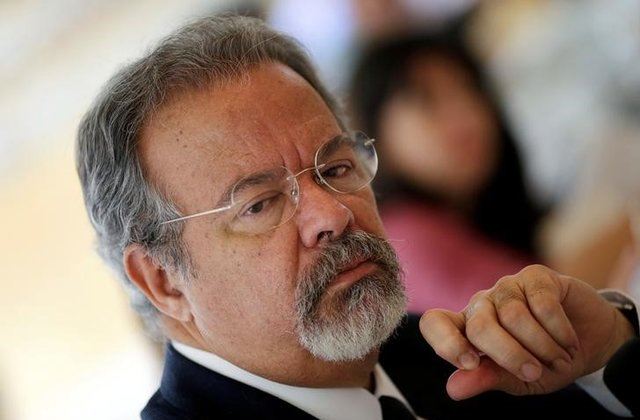 Brazil defense minister to take over public security post