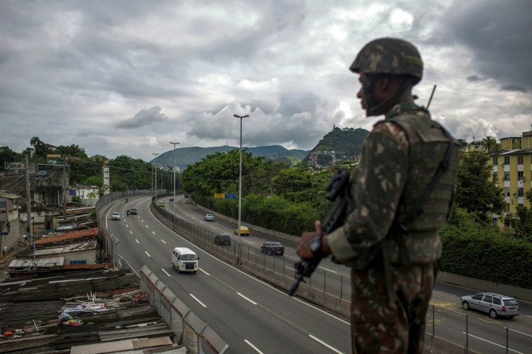 Brazil's Temer gives army full control of Rio security