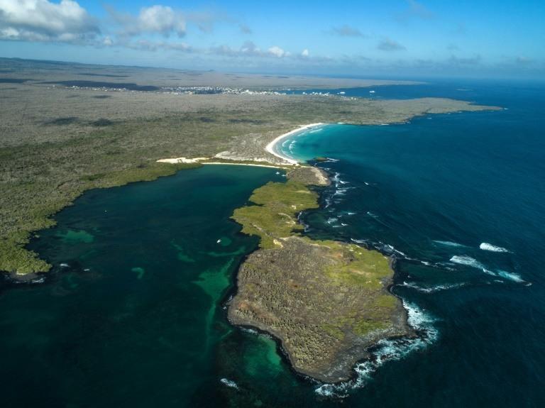 Galapagos fights temptation of lucrative mass tourism