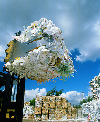 China to expand inspections of imported solid waste, paper