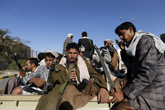 Yemen Houthis free detained US citizen, sends him to Oman