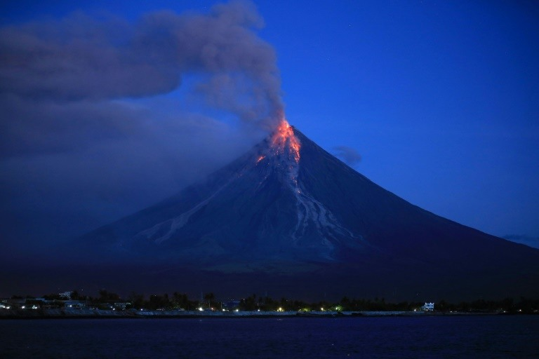Lava fountains shoot from Philippine volcano