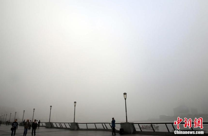 China renews yellow alert for heavy fog