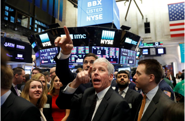 Wall St. hits new highs on earnings optimism, data