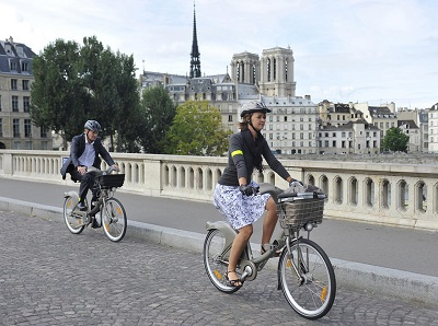 Malfunctions in new bike sharing system become Paris' nightmare