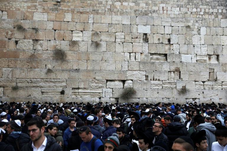 Israel rabbis lead prayers for rain at Western Wall