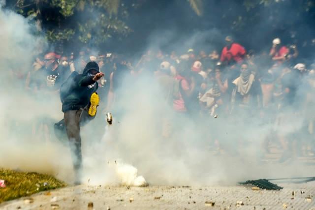 Argentina Congress OKs pension overhaul amid violent protests