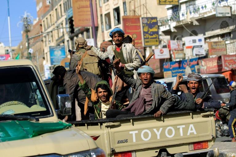 Saudi says it intercepted Yemen rebel missile over Riyadh