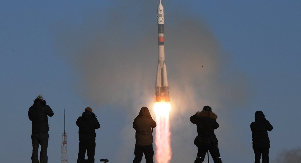 Russia launches manned craft to space station