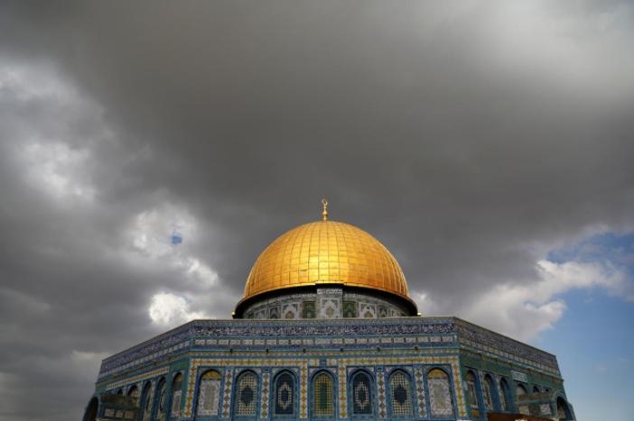 Hamas threatens new 'intifada' over US moves on Jerusalem
