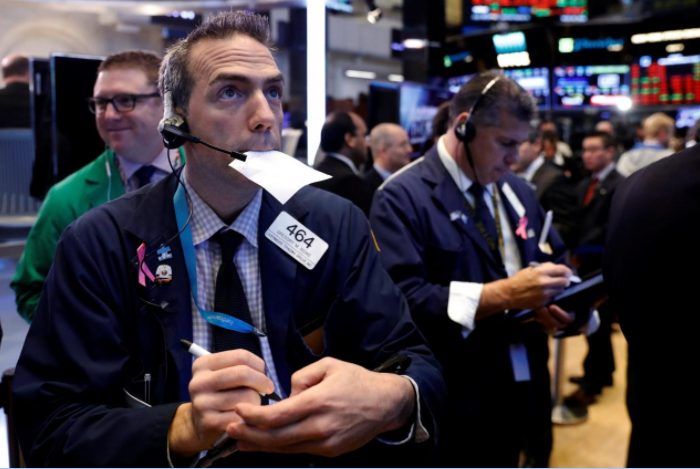 Wall Street at record levels on Powell's comments