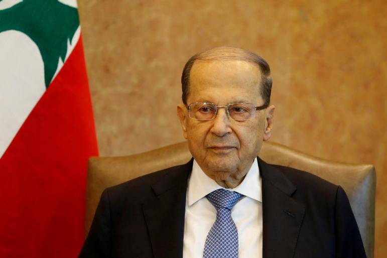 Lebanon's Aoun holds talks on Hariri government