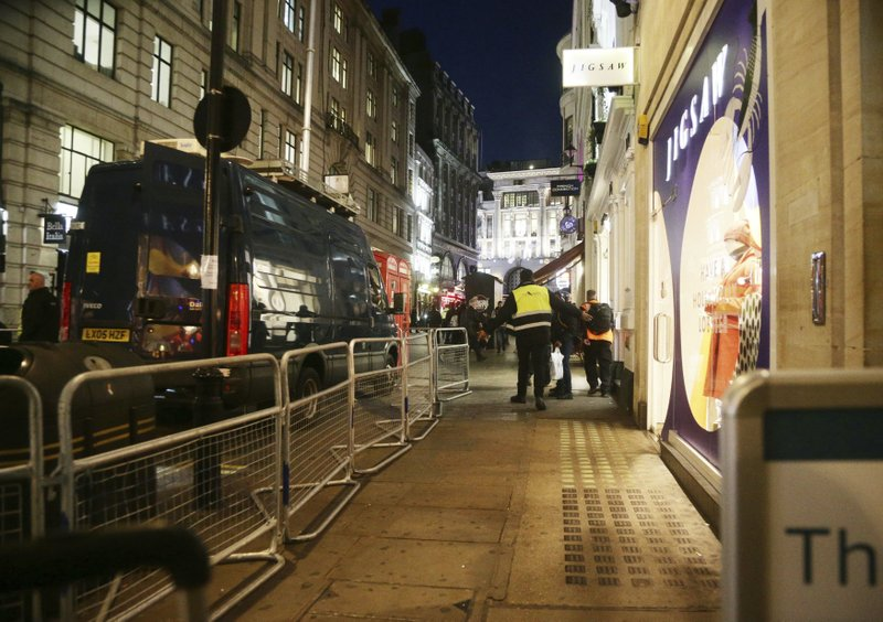 'Gunfire' sparks panic in London, but police find nothing