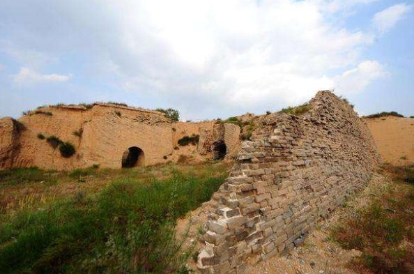 Ming Dynasty Great Wall restoration work halted in Shaanxi