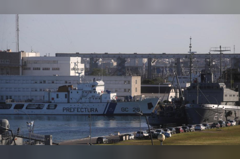 Satellite signals give hope to search for missing Argentine submarine