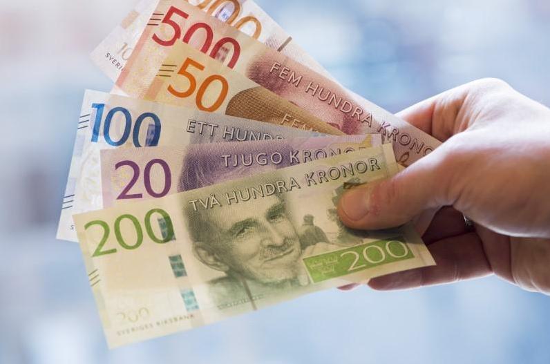Swedish and Norwegian currencies hit multi-year lows vs euro