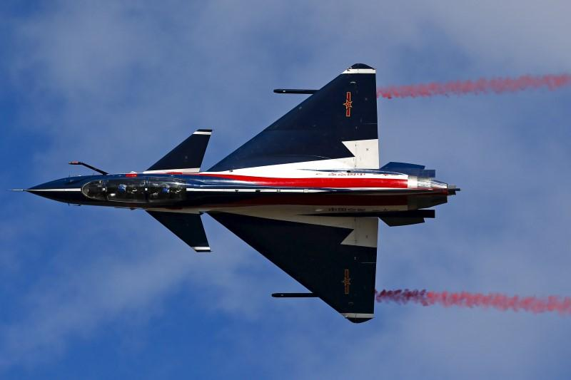 China's J-10 fighter jets to perform at Dubai airshow