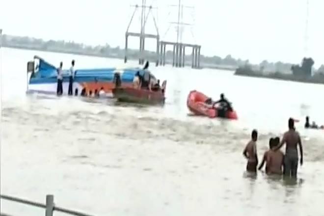 Boat capsized in eastern India: 14 dead