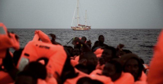 Spain rescues 250 mirgrants in the Mediterranean