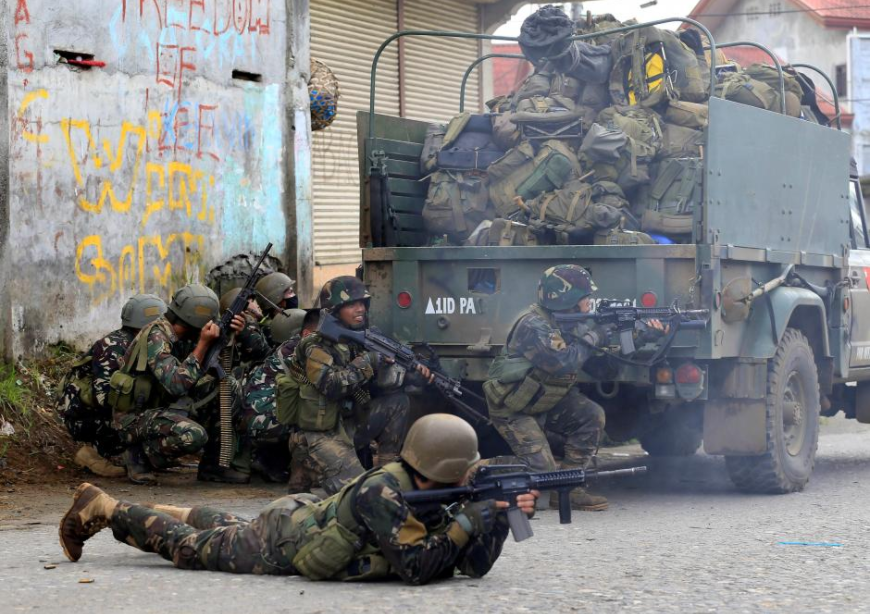 Philippine troops rescue three Vietnamese from Islamist militants
