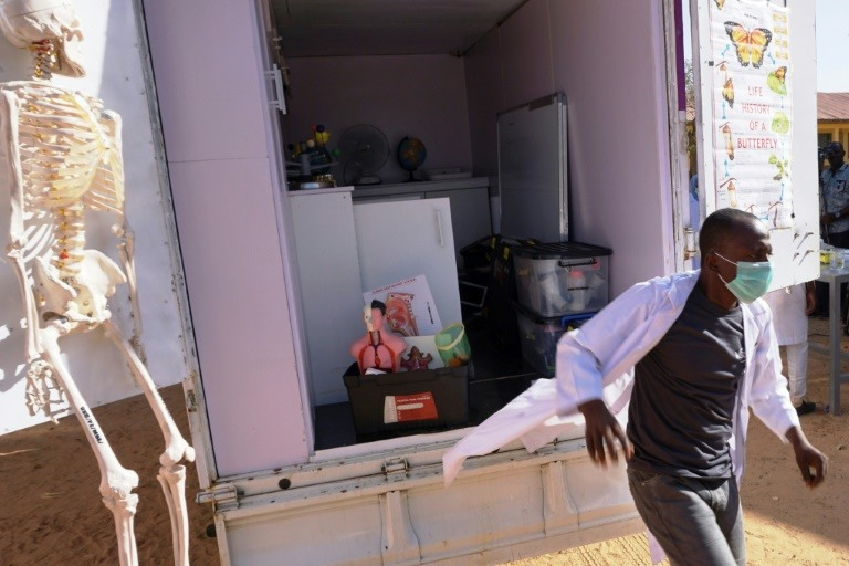 Finding Africa's Einstein with a science lab on wheels